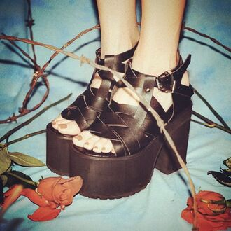 shoes zooji fashion fall outfits sandals platform shoes footwear style cute edgy fashionista unif