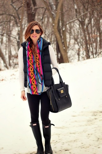 fishtail braid blue scarf black white bag orange tree snow boots pink big bag tribal pattern leggings vest long sleeves gold detail sunglasses