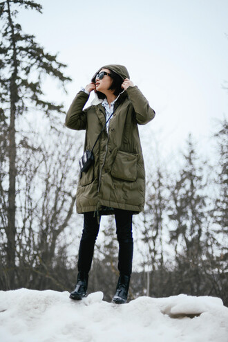 ordinary people blogger coat jewels sunglasses shoes jeans bag blouse