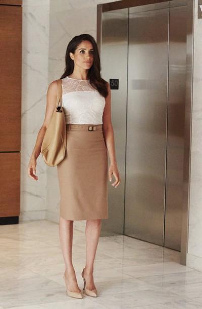 blouse top skirt midi skirt pencil skirt work outfits pumps meghan markle