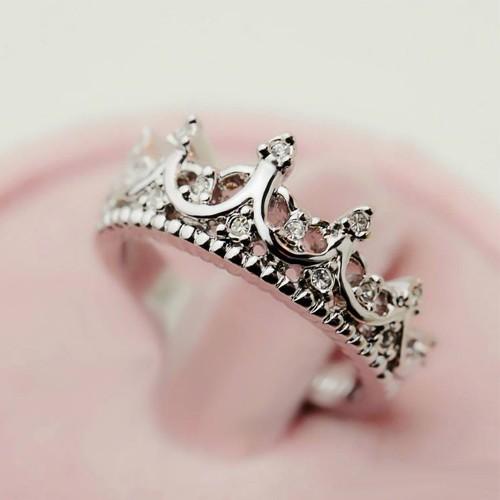 2014 fashion vintage cutout crown design cubic zirconia women's crown ring,high quality!