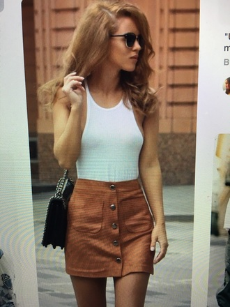 top bodysuit white stretchy skinny skirt suede buttons light brown