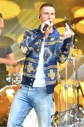 jacket,adam levine,blue,gold,yellow,pattern,sweater
