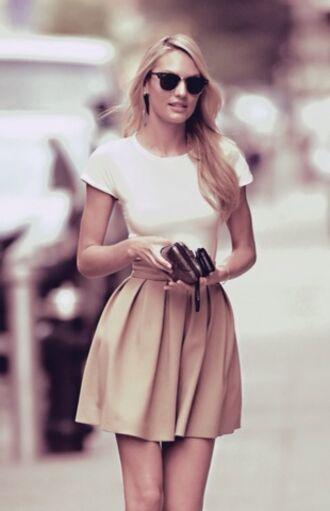 skirt rayban beige white top tan skirt cute summer skirt khaki back to school candice swanepoel beige skirt shirt flats clubmaster sunglass clutch model tall girls white t-shirt t- strap flats