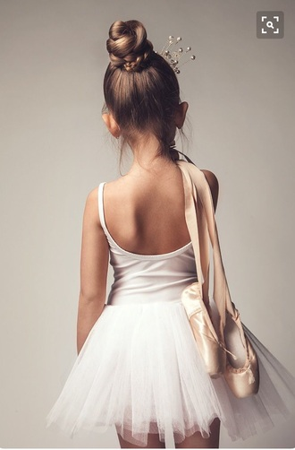 skirt white pink silver tutu tulle skirt leotard spaghetti strap pointe shoes hair accessory dance pointe