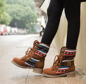 shoes boots winter outfits love pattern brown native print brown boots tribal pattern tribal boots winter boots lovely colorful combat boots aztec hipster perfecto brown shoes patterned shoes browen boots timberlands chestnut high top sneakers fall boots colorful fall boots colorful boots