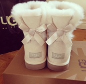 ugg boots,creme boots,boots,bows,comfortable shoes,shoes,cream,bow,white,brown,cute,cream ugg boots,white uggs,uggs with bows,pearl uggs,uggs?,cheap ugg boots,harry please,cream guys white cute bow,uggs boots bailey bow brown,ugg cream bow boots