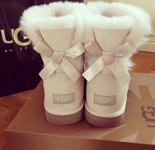 ugg boots, ugg boots, ugg boots, creme boots, boots, bows, comfortable shoes, shoes, ugg boots, cream, bow, white, brown, cute, cream ugg boots, white uggs, ...