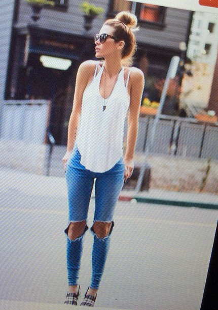 top summer necklace ripped jeans white pretty girl jeans
