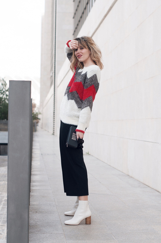 macarenagea blogger sweater pants shoes bag sunglasses winter outfits ankle boots white boots