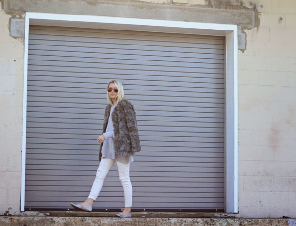 platinum and penniless blogger sweater faux fur jacket white jeans