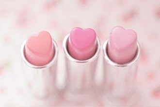 make-up all the pink paste pink with hearts heart pink pink lipstick lipstick pastel pink baby pink kawaii kawaii accessory pastel pastel goth