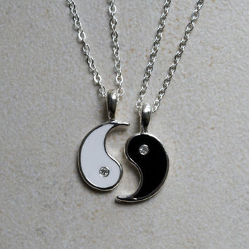 Yin Yang Friendship Necklace on Wanelo