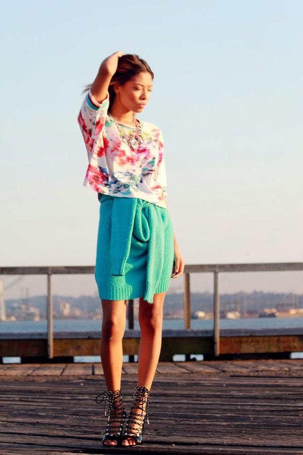 seattle fashion blogger blogger jewels t-shirt shoes