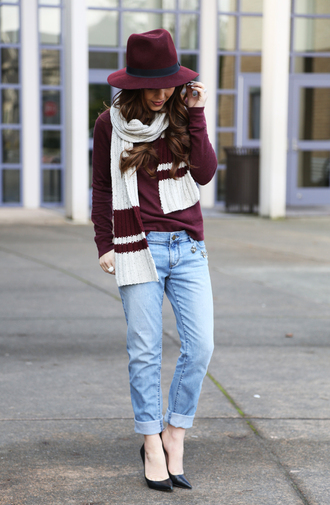 dress corilynn blogger scarf knitted scarf felt hat burgundy sweater sweater hat jeans shoes