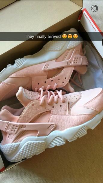 e68b7e4033ebc Get the shoes - Wheretoget