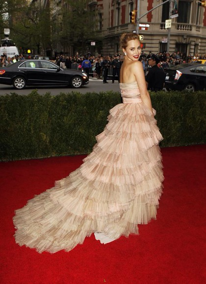 frills suki waterhouse prom dress met gala 2014