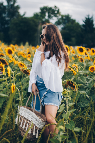 kolorowa dusza blogger blouse skirt bag jewels sunglasses basket bag denim skirt white blouse summer outfits