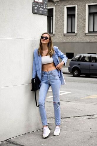 jacket blazer jeans denim sneakers white top bag sunglasses