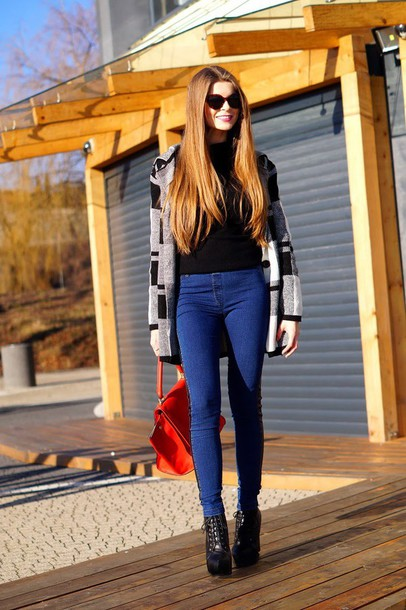 only my fashion style blogger jeggings red bag