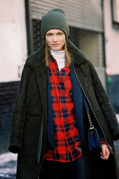 flannel shirt flannel lumberjack beanie t-shirt vanessa jackman blogger