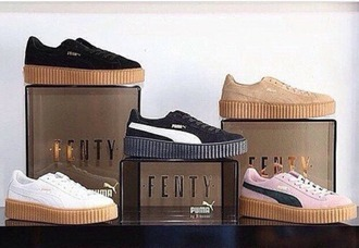 shoes black black and white black shoes black and white shoes beige beige shoes tan suede suede sneakers suede shoes rihanna rihanna shoes rihanna pumas creepers puma puma suede puma sneakers pumas fenty shorts