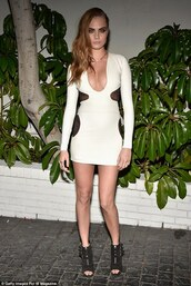 cara delevingne,cut-out dress,sexy dress,bodycon dress,tom ford,black and white dress