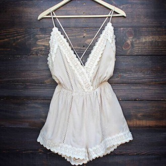 romper white lace jumpsuit boho chic ivory dress white lace dress crop tops white crop tops white romper lace dress boho hippie hippie chic lace romper girly clothes combishort beige summer delicate pale off-white indie boho white jumpsuit white dress white lace romper white lace