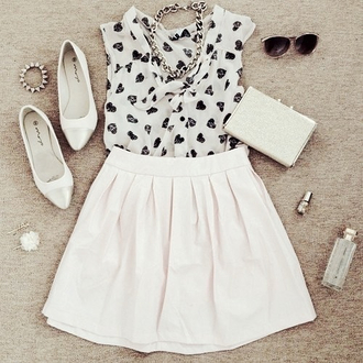 tank top heart black white black and white black and white blouse blouse black hearts black hearts blouse top white skirt skater skirt clutch white clutch sunglasses necklace chain necklace white flats flats pointed toe white pointed flats jewels girly cute outfit skirt