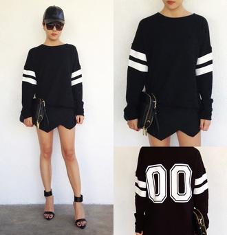 sweater forever 21 black and white varsity