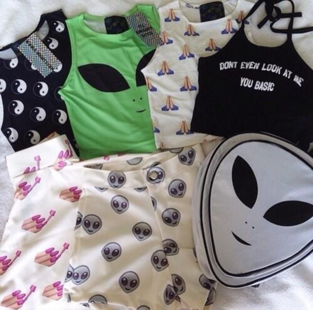 shirt yin yang shirt grunge t-shirt yin yang tshirt alien black t-shirt black and white style