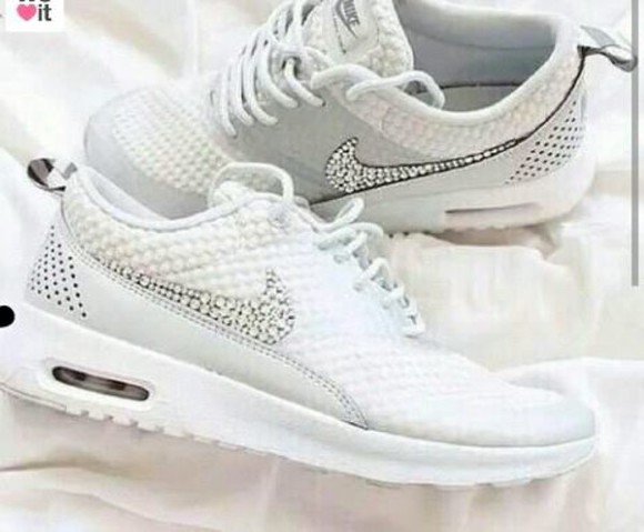 white shoes nike running shoes