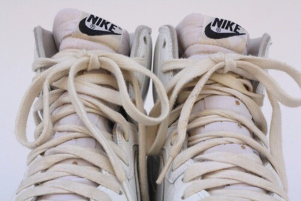 shoes nike air nike sneakers sneakers white nike shoes tumblr outfit style