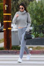 sweater,cropped sweater,grey,kendall jenner,sweatpants,sneakers,fall outfits,turtleneck,sunglasses,shoes,pants,model off-duty