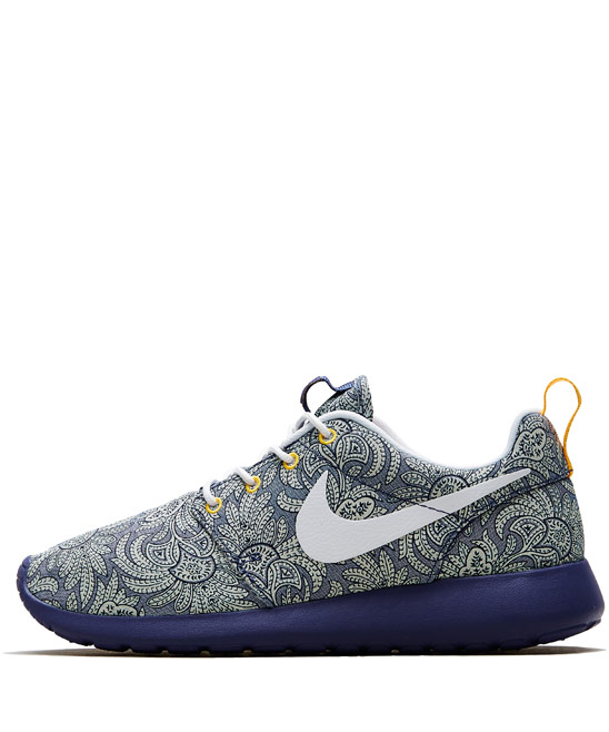 Nike x Liberty Dark Blue Crown Liberty Print Roshe Run Trainers |