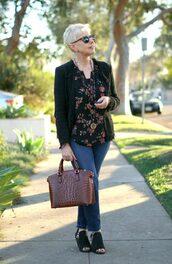 unefemme,blogger,jacket,sunglasses,top,jewels,bag,jeans,shoes,blazer,handbag,floral top