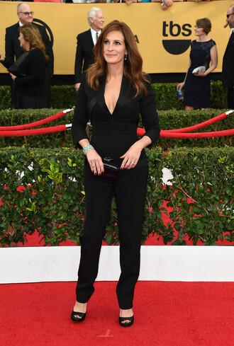jumpsuit julia roberts black pants sag awards