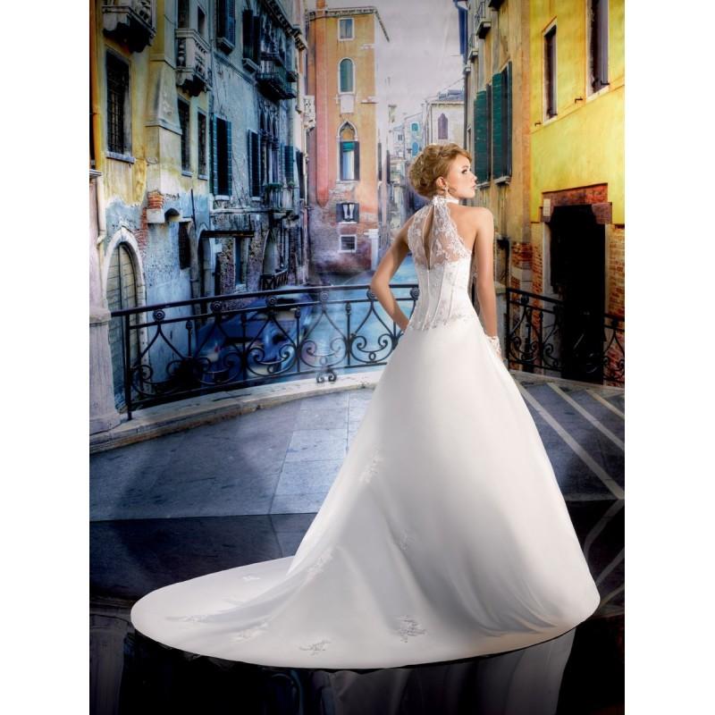 Collector, 134-14 - Superbes robes de mariée pas cher | Robes En solde | Divers Robes de mariage blanc