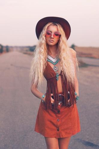 kristina dolinskaya blogger skirt top sunglasses