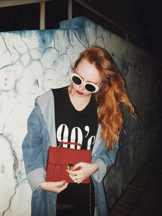 kristina magdalina blogger sunglasses bag t-shirt skirt red bag black t-shirt 90s style
