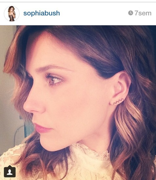 sophia bush jewels earrings zigzag