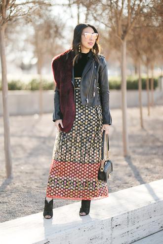 styleofsam blogger dress jacket jewels shoes bag sunglasses black leather jacket fur scarf vintage dress spring outfits