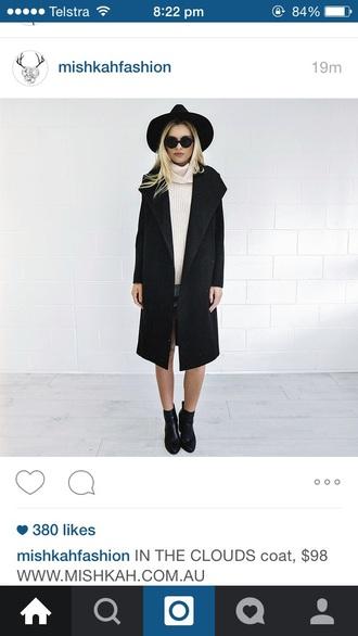 coat black coat large round glasses