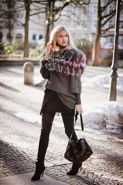 en vogue coop blogger grey sweater faux fur winter outfits black bag