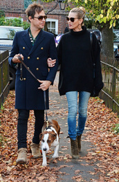 jeans,sweater,oversized sweater,kate moss,fall outfits,streetstyle,boots