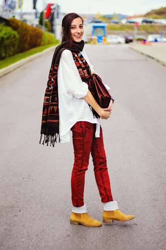 jeans scarf blogger beauty insanity satchel bag red colored jeans