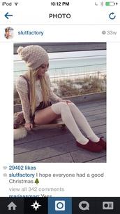 white hat,beanie,wool hat,aspen mansfield,fall outfits,pom pom beanie,hat,beige