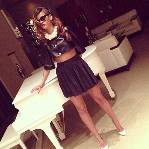 blouse rihanna white high heels leather skirt shoes jewels