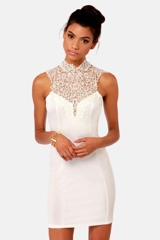 Renaissance court lace ivory dress