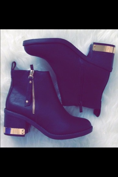 kylie jenner fashion black fall outfits gold ankle boots